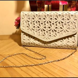URBAN EXPRESSIONS FAUX LEATHER CUT OUT CLUTCH W/GOLD CHAIN NWOT